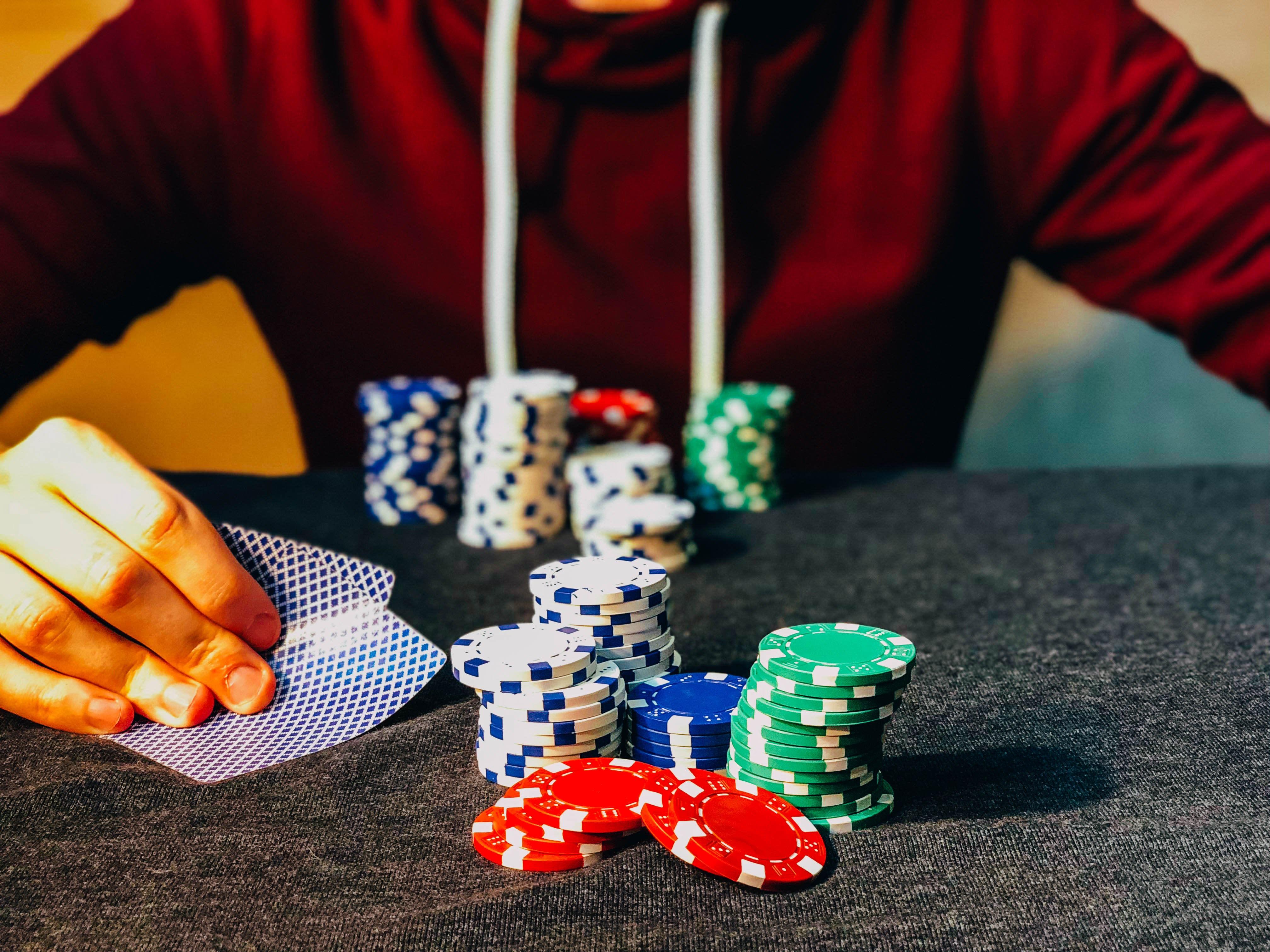 Como Sobreviver a Deep Stacks no Poker